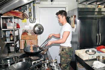 wu_jing_cooking02.jpg